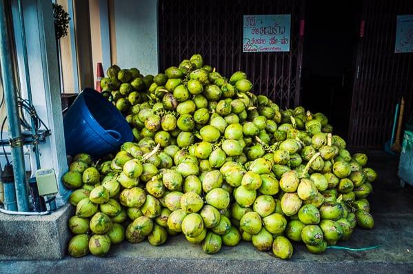 Kokosnüsse Phuket Town