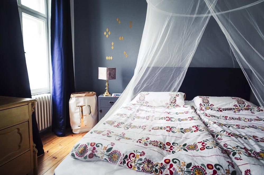 unser boxspringbett von ikea und das schlafzimmer makeover the kaisers. Black Bedroom Furniture Sets. Home Design Ideas
