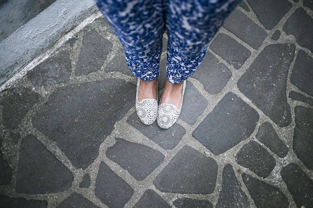 Gemusterte Stoffhose weiß blau