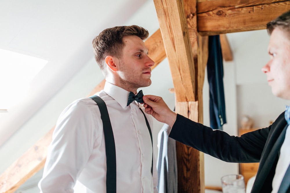 Getting Ready Hochzeit Bräutigam