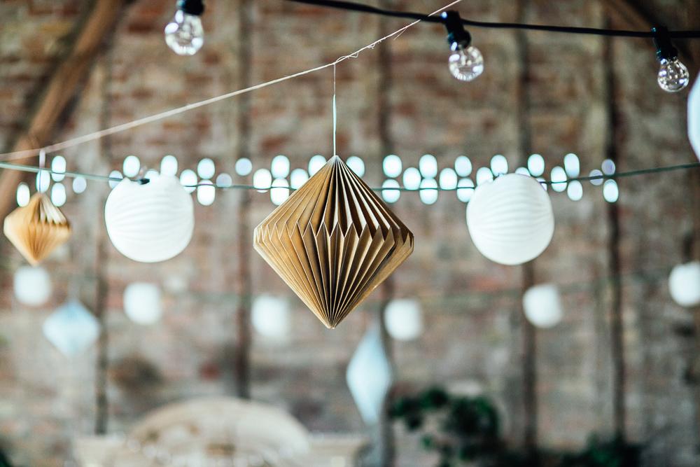 Papierdiamanten Hochzeitsdeko Gold