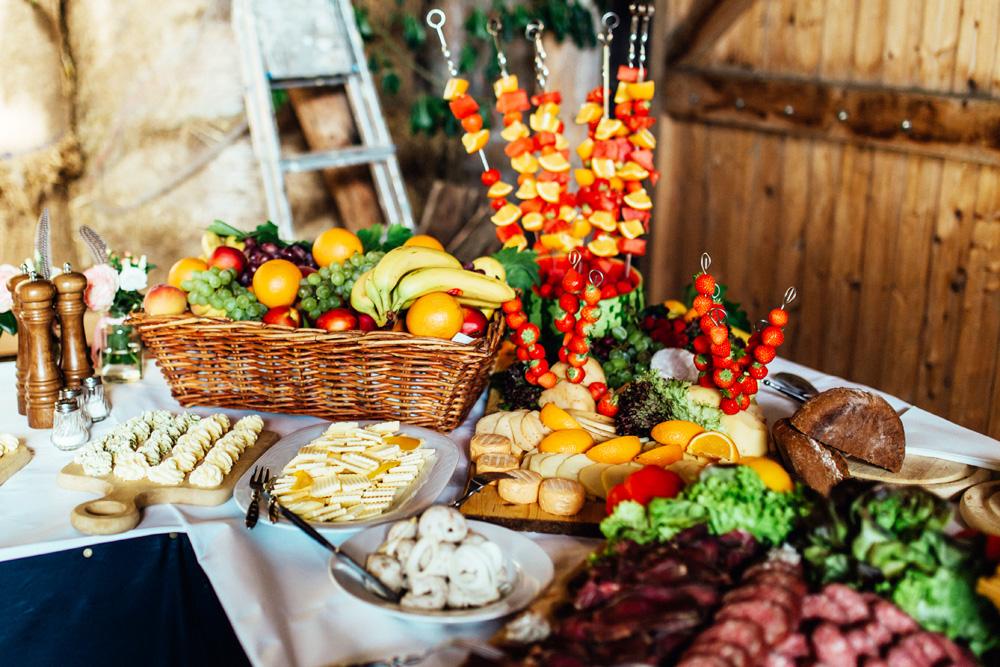 Hochzeitsessen – Menü oder Buffet? So findet ihr das Richtige für euch!