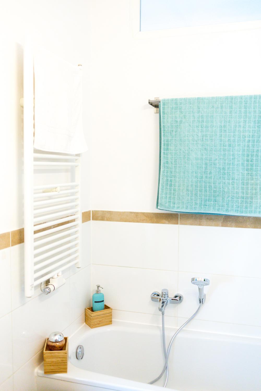 stauraum für ein kleines badezimmer – wir zeigen euch unser neues, Badezimmer ideen