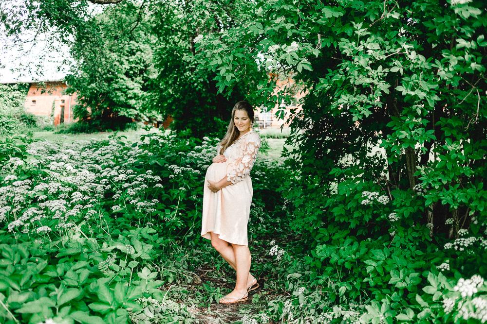 Schwangerschaftsoutfit Rock rosa Achter Schwangerschaftsmonat