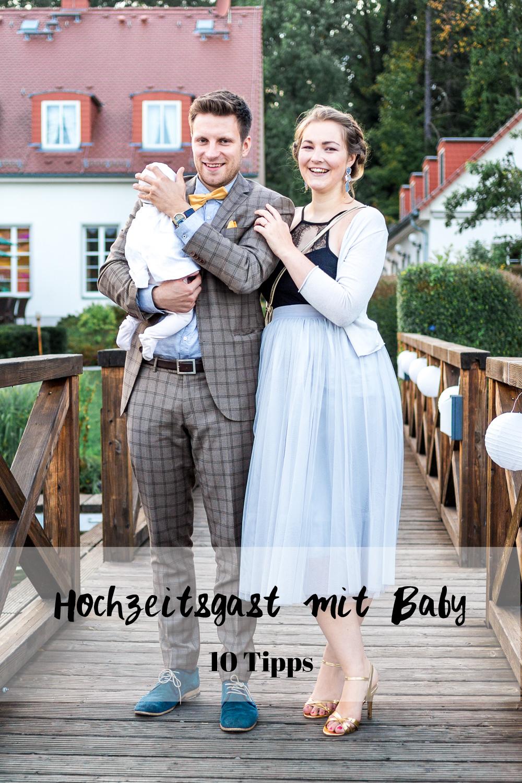 Hochzeitsgast mit Baby Auf Hochzeit mit Baby