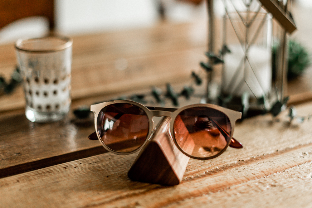 Brillenecke Lumenqi Brillenhalter Brillenablage Holz