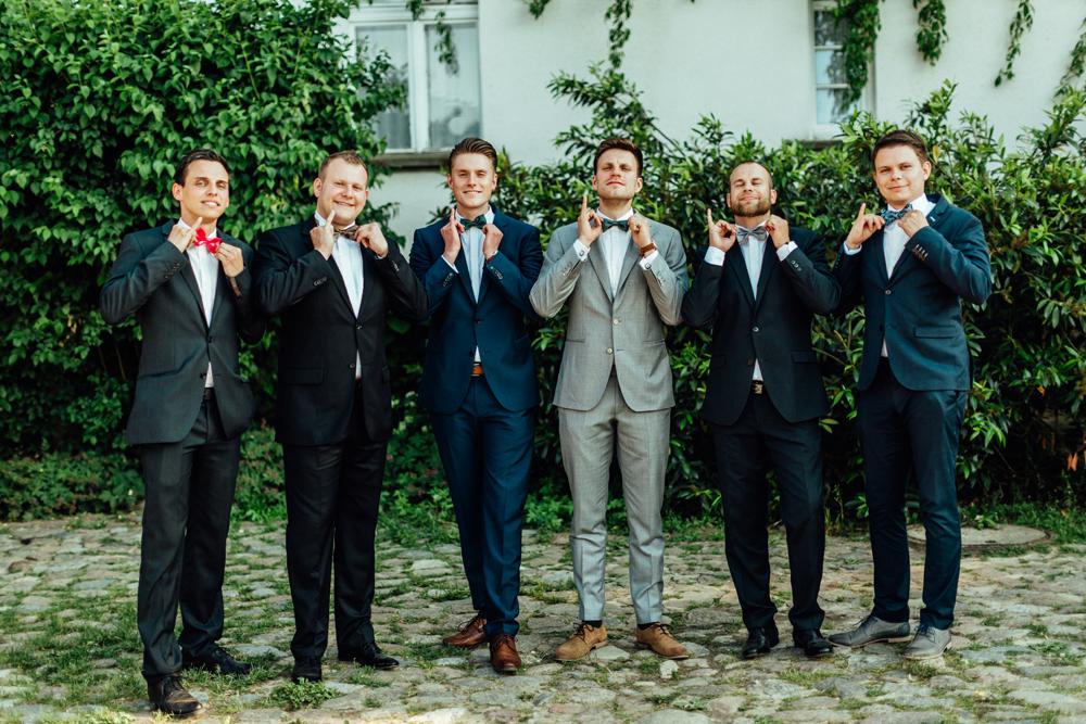 Fliege als Dresscode 12 Tipps, um die Hochzeit persönlich zu gestalten