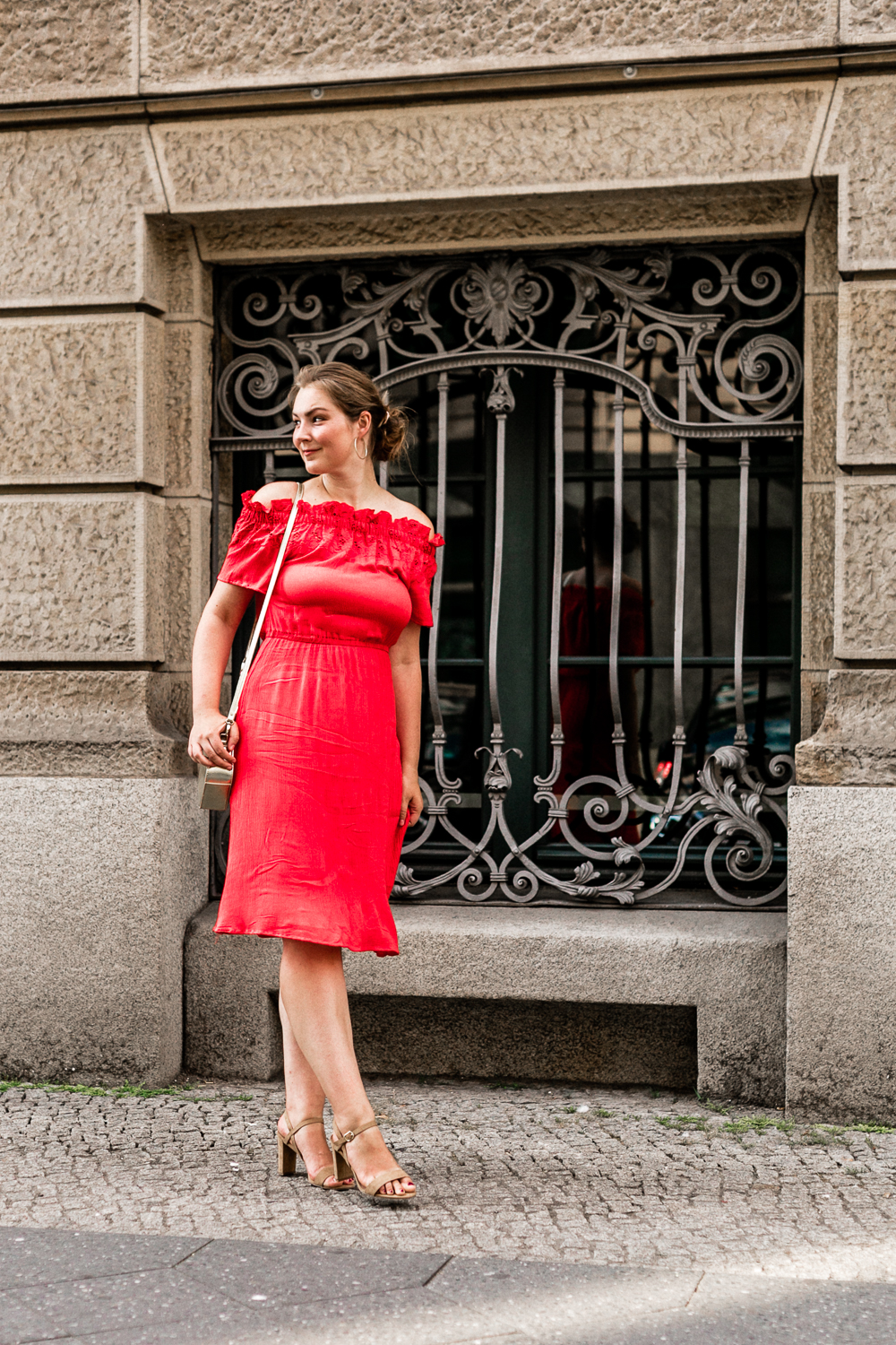 Date Night rotes Offshoulder Kleid