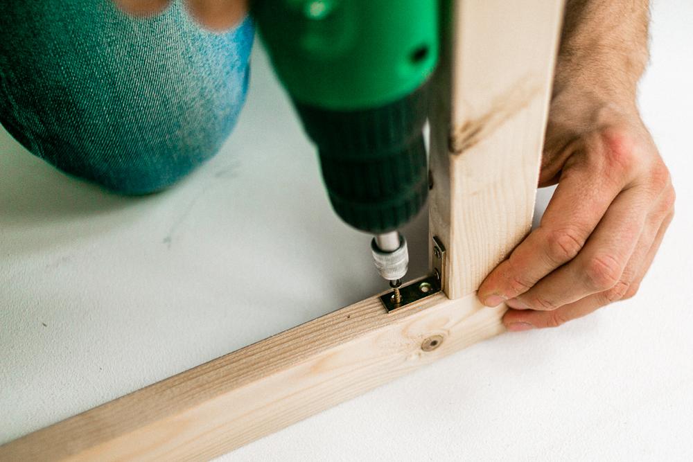 Bauanleitung für ein Schutzgitter für Kind und Hund Paravent Sicherheitsgitter Raumteiler selber bauen DIY
