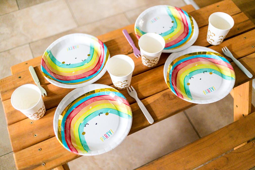 Regenbogenparty Partygeschirr Pappteller